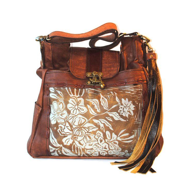 Grande in pelle stampato borsa a tracolla in pelle caramello con motivo a Wildflower di urbangypsydesign su Etsy https://www.etsy.com/it/listing/260260428/grande-in-pelle-stampato-borsa-a