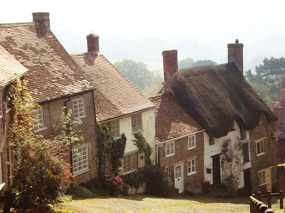 Gold Hill, Shaftsbury -Seasonal Hearth: Oh, to be in England, now that April is here