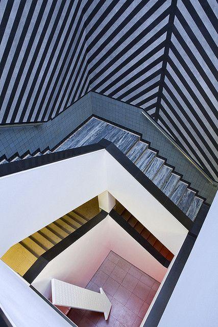 Trappenhuis Sol Lewitt by Gemeentemuseum Den Haag, via Flickr