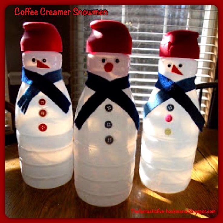 Make snowmen out of your coffee creamer containers. I'm only giving you a heads up to start saving those containers, because everyone of your family and friends will want one of these adorable snowmen. You can also fill them with candy. Found it here:http://thefantasticfive-hockmana.blogspot.com/2010/01/start-snowman-by-raymond-briggs.html