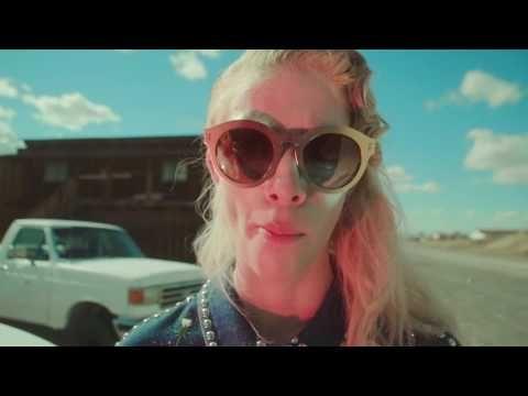 Bizarresia | La bizarra fashionfilm de Stella McCartney