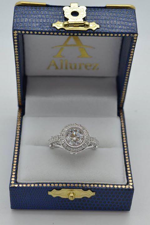 Vintage Diamond Halo Art Deco Engagement Ring 14k White Gold (0.97ct) - Allurez.com