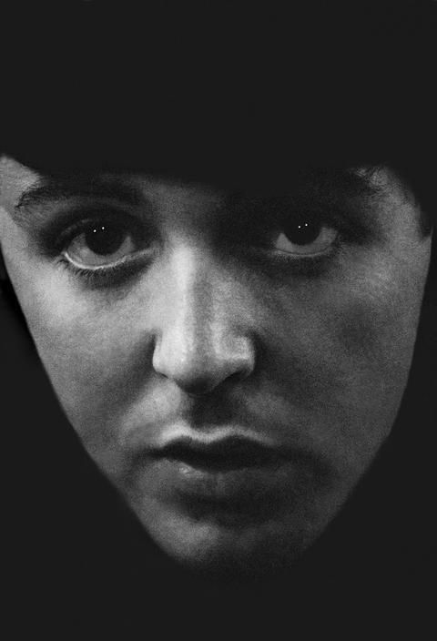 Культурная жизнь в Лондоне в 60-е. The Beatles, Пол Маккартни. Фотограф Philip Jones Griffiths. - Неспящие в Торонто