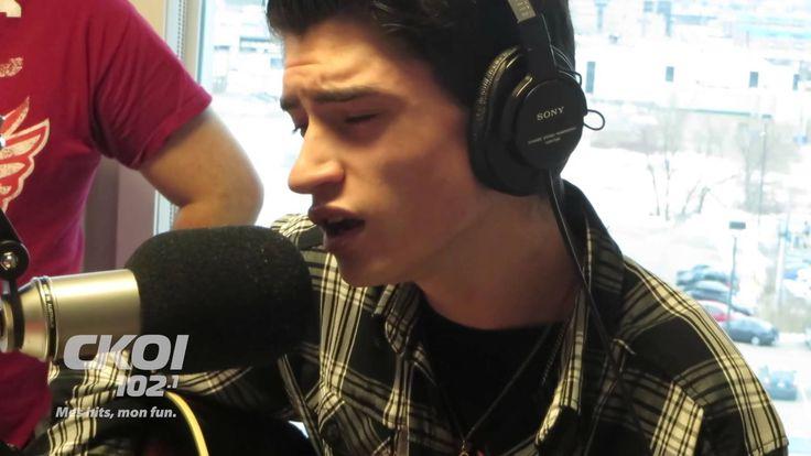 David Thibault - Blue Christmas - Elvis Reincarnated you won't believe your ears