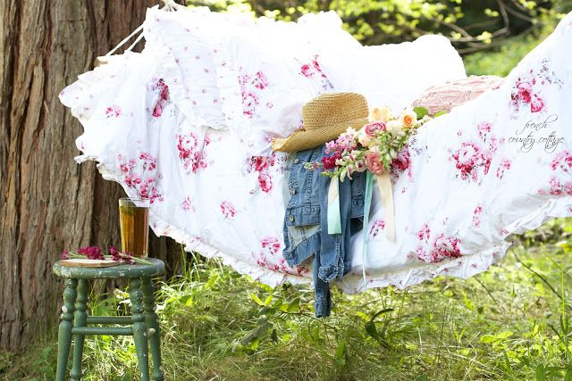 A backyard hammock via @frnchcntrycttge
