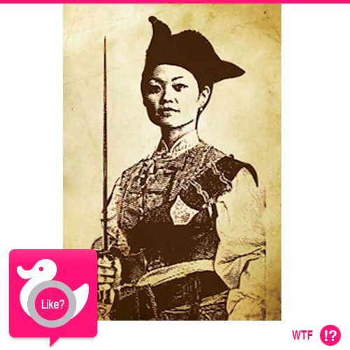"""LA PROSTITUTA PIRATA Ching Shih fece il mestiere fino a quando si innamorò di Cheng Yi, spietato corsaro cinese. Quando il marito morì, la donna passò al comando. Aveva al suo servizio 80,000 uomini e 1,800 navi. La marina cinese, con l'appoggio di quella britannica e francese, non riuscì a batterla. Fu così che le vennero offerte convenienti ricompense in cambio della resa. Va da sé che Ching Shih fu """"il più grande pirata"""" della storia…"""