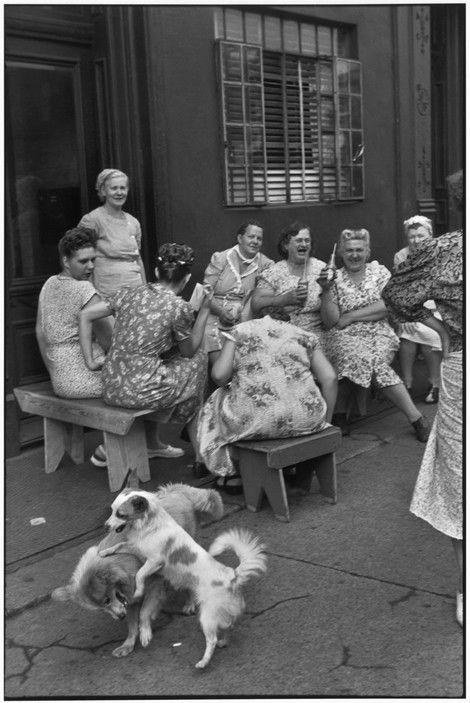 Henri Cartier-Bresson - NYC. Brooklyn. Grand Street. 1947.