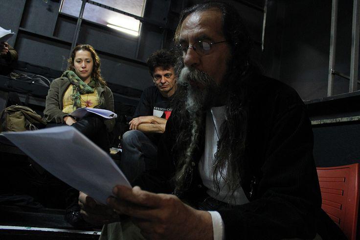 Na sede do Faroeste, oficina de texto teatral selecionou cartas de amor que integrarão uma grande intervenção urbana que acontecerá no dia 15 de dezembro de 2013, na estação Julio Prestes.