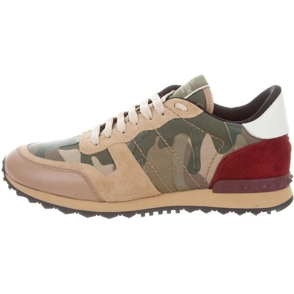 Pre-owned Valentino Camouflage Rockrunner Sneakers ($475) ❤ liked on Polyvore featuring men's fashion, men's shoes, men's sneakers, brown, mens sneakers, mens camo shoes, mens brown lace up shoes, mens round toe shoes and mens camo sneakers