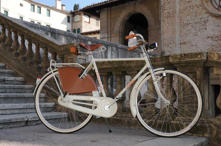 BICI GANNA MODELLO FIRENZE EXTRALUSSO R VIAGGIO UOMO  COLORI: GRIGIO GANNA  PER ULTERIORI INFORMAZIONI SUL PRODOTTO:  http://www.ganna-retro.it/it/biciclette/lusso-uomo_6_9.htm