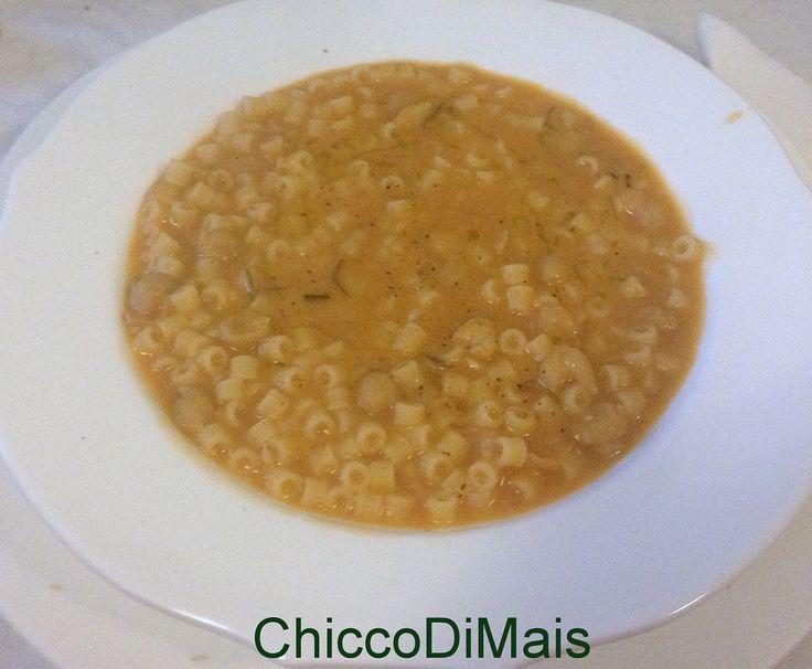 Minestra di pasta e ceci ricetta invernale il chicco di mais http://blog.giallozafferano.it/ilchiccodimais/minestra-di-pasta-e-ceci-ricetta-invernale/