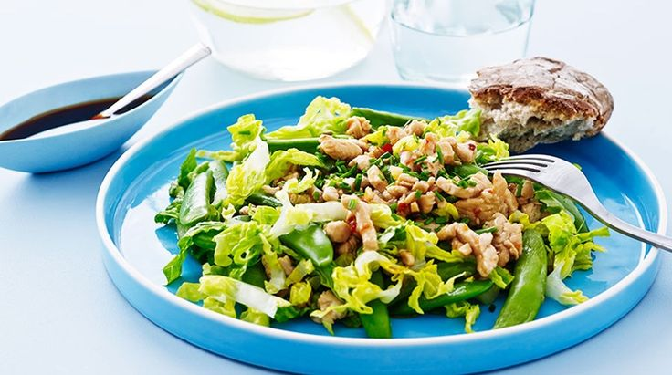 Thaisalat med kylling, salat og sukkerærter - slanke