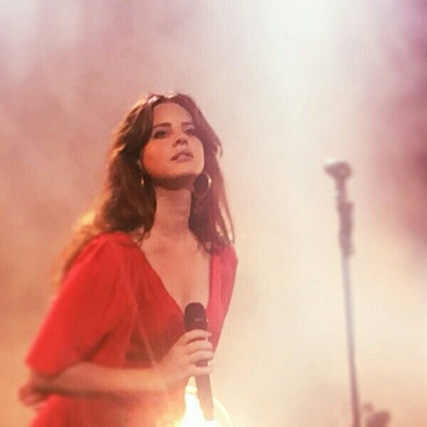 Lana Del Rey in Virginia #LDR #Endless_Summer_Tour