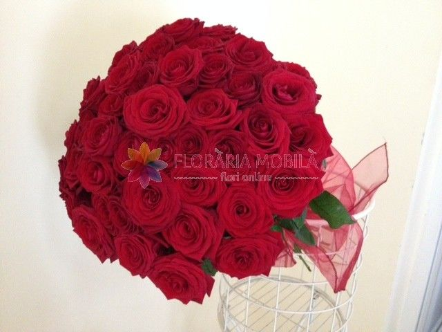 buchet 45 trandafiri 45 red roses bouquet for valentine's day - luxury collection