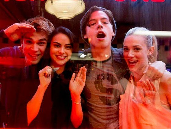 Riverdale finally premieres TOMORROW on The CW, and to say we're PUMPED would be an understatement. If the previews are any indicator, the show is going to be be suspenseful, sexy, dramatic and clever, which basically encompasses everything we'd ever want in a new small-screen hit. The added bonus is that it's based on one …