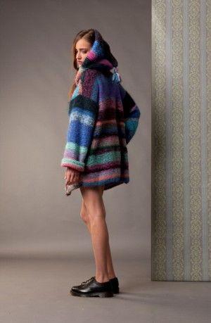 Cardigan in lana Mohair con cappuccio, lavorato a mano pezzo unico. Mohair wool cardigan with hood, handmade unique piece.