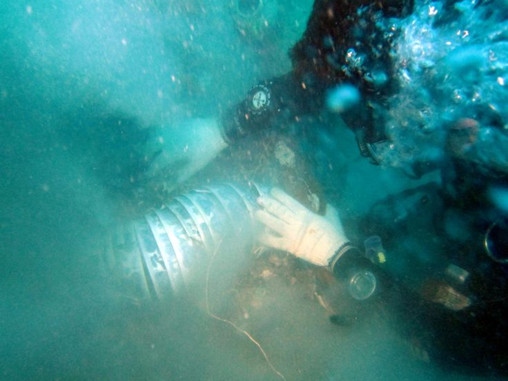 Alex Mirabal during a reconnaissance mission at the wreck site of the largest Ming porcelain cargo ever found