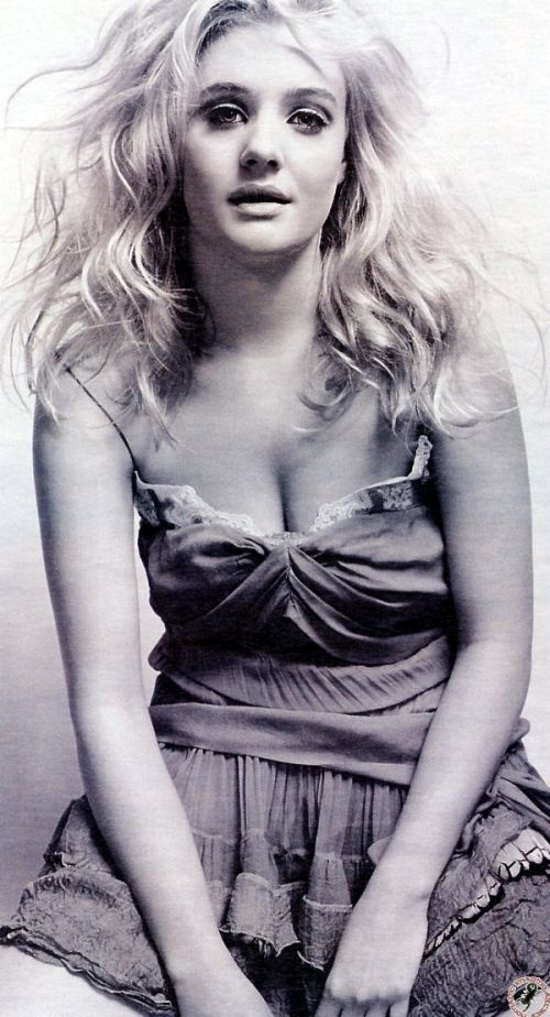 Romola Garai, black and white, curly hair http://RomolaGarai.org