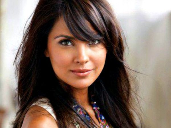 Lara Dutta is truly one of those rare combinations of beauty with brains. Crowned as Miss Universe in 2000, she soon made a lasting mark in Bollywood with her elegance, charm and distinguished personality. On her 36th birthday today, we bring to you a few interesting facts about this Bollywood diva. *Images courtesy: © Thinkstock photos/ Getty Images Also Read: 8 Things You Didn't Know about Jaya Bachchan