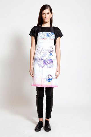 Contemporary with folklore details this apron is one of a kind! Design by POSTFOLK