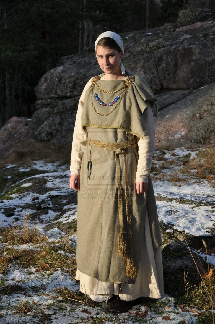 """from Hemantaru's gallery on deviantART.  """"This costume is the kind that was used by noble women in Finland during the iron-age"""""""