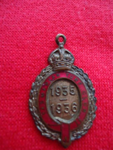 1935-36-TASMANIAN-TURF-CLUB-RACING-MEMBERSHIP-BADGE