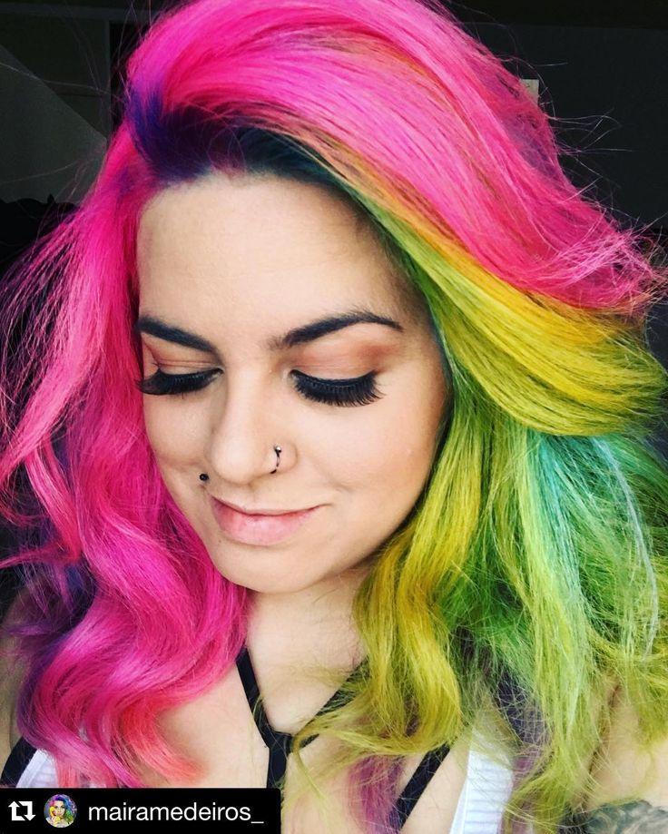 #Repost @mairamedeiros_ with @repostapp. ・・・ Tá tendo cabelo novo e cílios enormes ✨Cabelo feito no @novoarte e cílios da @kissnybrasil #NãoÉjabáÉamor  #pinkhair #yellowhair #greenhair by @kito_bo