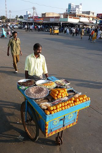 Food Vendor pushing his cart through the streets of Thanjavur, Tamil Nadu