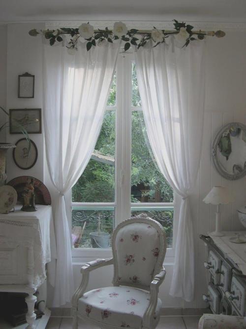 Shabby dream....love the window treatment.
