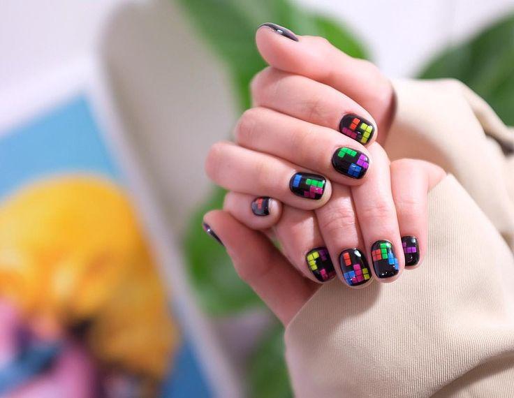 """1,474 отметок «Нравится», 13 комментариев — 센스홍 Nail artist """"SENSEHONG"""" (@sense_hong_) в Instagram: «#20170404  귀엽고 유니크하게✍️ #테트리스네일  - #테트리스 #tetrisnails #tetris #nails #notd #nailart #gelnails…»"""