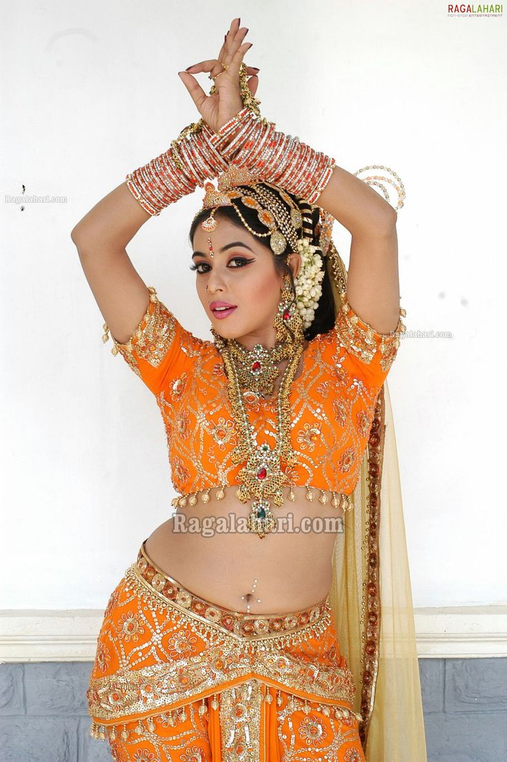 Tamil Actress Hot Photos and HD Wallpapers