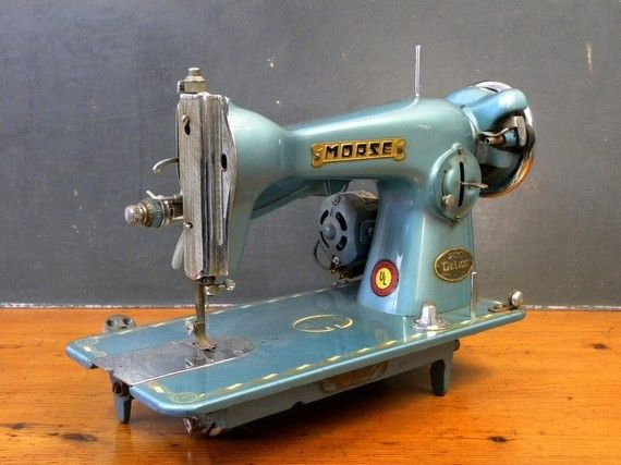Gorgeous Metallic Blue Morse 200 DeLuxe Sewing Machine, 1950'sSewing Machine