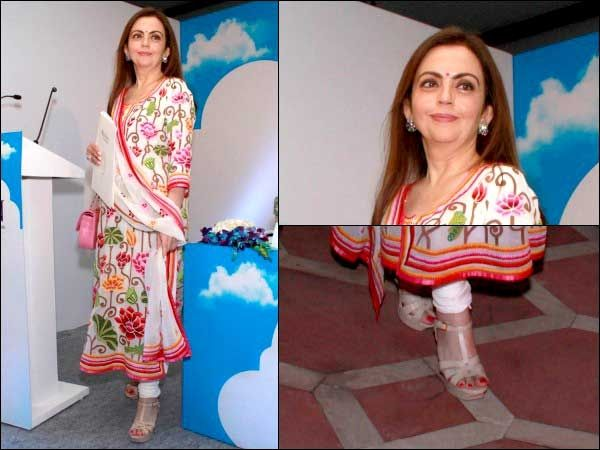 Check out: Nita Ambani's beautiful Kashmiri suit. You should miss this at all cost.