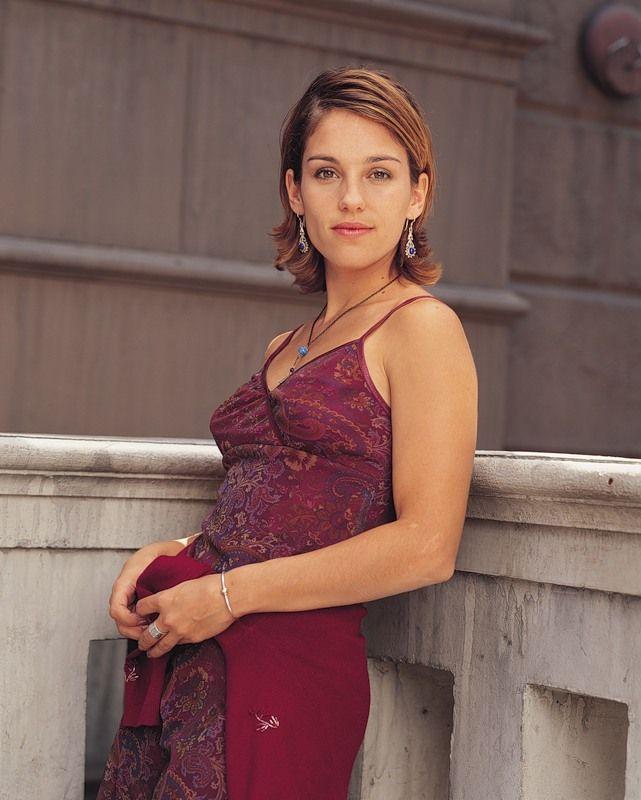 Amy Jo Johnon as Julie Emrick (Felicity)   Amy jo johnson