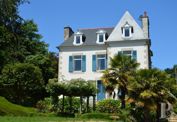 A Lezardrieux Une Maison De La Fin Du 19e S Avec Vue Sur La Mer