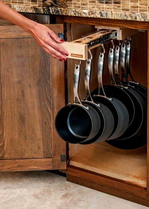 sistemare pentole cucina
