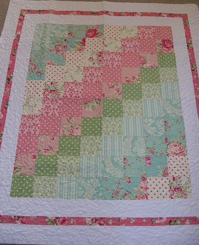 A sew simple quilt for baby girls ... love the colours ...make with the bird fabric, blues and pinks