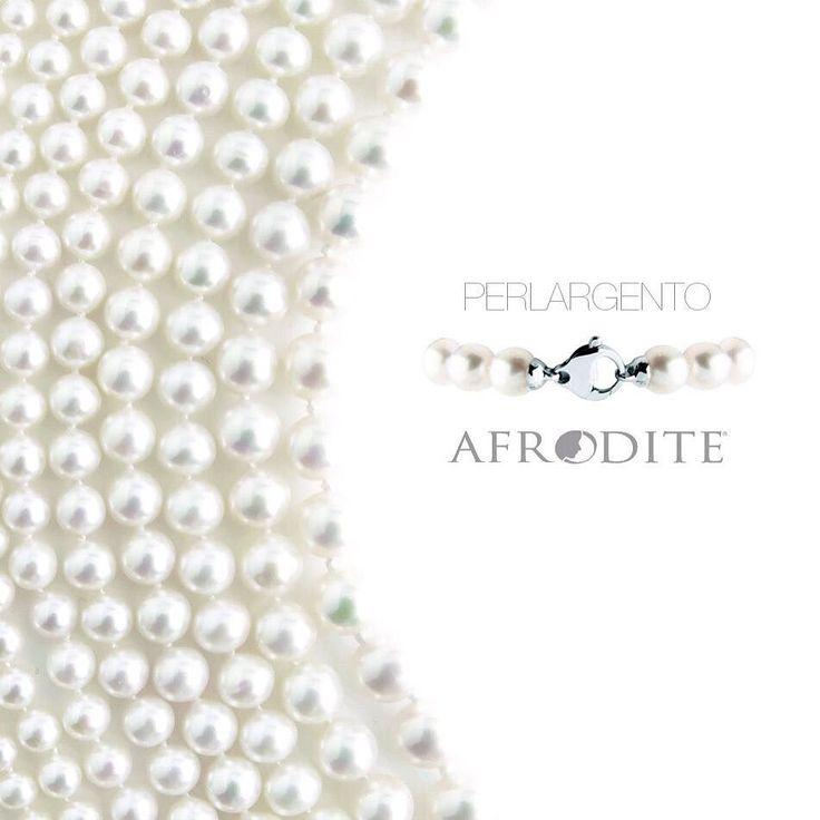 Afrodite Pearls. www.cpgioielli.it - http://ift.tt/1PdsqRD #gioielli #gioielleria #oreficeria #argento #jewellery #jewelry #silverjewellery #silver #silver925 #precious #fashion #design #quality #madeinitaly #top #news #trend #shopping #Afroditejewels #cp #perle #vicenza #oro #january2016 #diamanti # Italia #gold #handmade #italiandesign #pietrepreziose