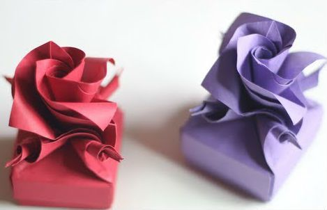 Diy Origami rose box!!! Bebe'!!! Lovely delicate as a rose gift boxes!!! Bebe'!!! Just right for that very special small package or gift!!!