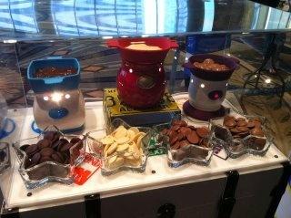 Yummy and easy fonue chocolate! http://goodfondue.velata.us