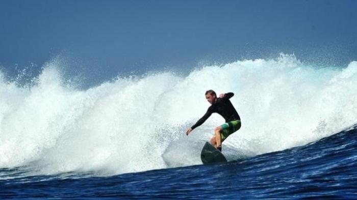 Destinasi Surfing Favorit - Wow, Ternyata Pantai Indonesia Jadi Kegemaran Turis Norwegia