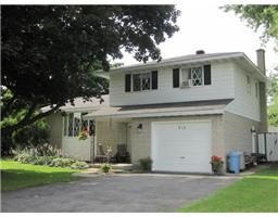 $239,900  L2416, 712 SANDFIELD Crescent , CORNWALL, Ontario   K6H5C3