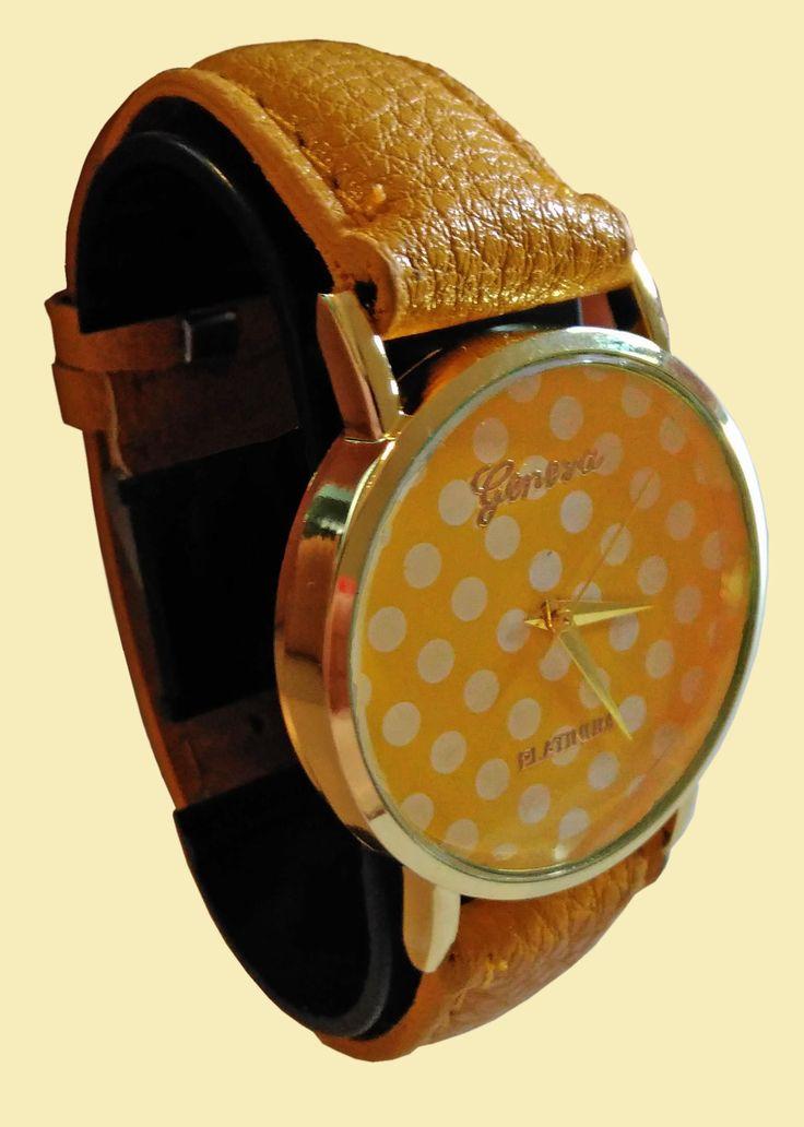 Divertente orologio a pois, colori giallo, verde, azzurro o rosso.