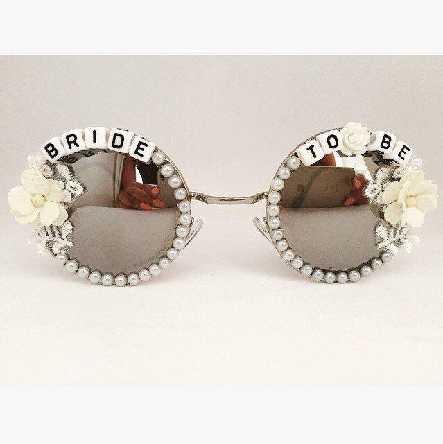 Bride to Be sunglasses, Bridal Sunglasses, Bride Gift, Hen Party, Bachelorette Party Idea, Round Sunglasses, Hen Party Present, Bachelorette