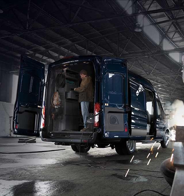 Standard 50 50 Dual Hinged Rear Doors Ford Transit Cargo Van Ford