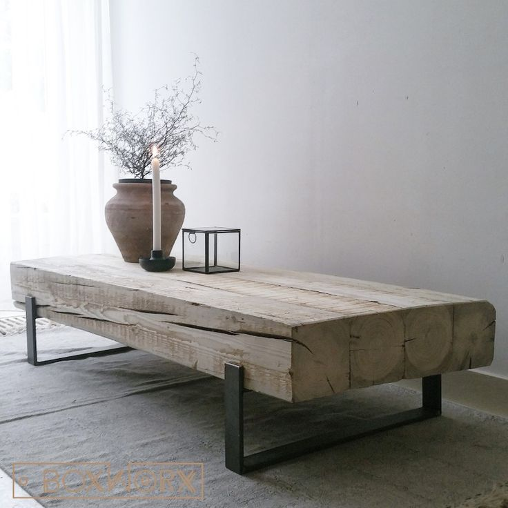 Salontafel 'Solid' is een industriële salontafel met een combinatie van oud…