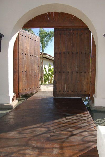 Fabulous entrance. #Spanish #Mexican #hacienda