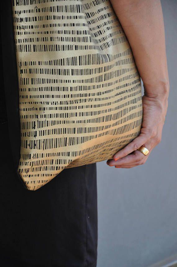 Golden tote, Easy tote bag, Fashionable handbag, Two tone tote bag, Carry on handbag, Shopping bag, Womens work bag, Teacher tote bag, Vegan   #fashion #fashionblogger #bags #boho #bohostyle #tote #totebag #style #styleblogger #fashionista #vegan