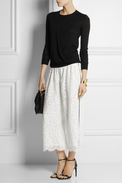 "The Newest Wedding Trend Is ""No Dress Required"" #refinery29  http://www.refinery29.com/wedding-pant-outfits#slide7  Culottes"