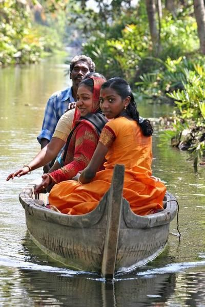 INDIA: traveling the picturesque backwaters in Kerala